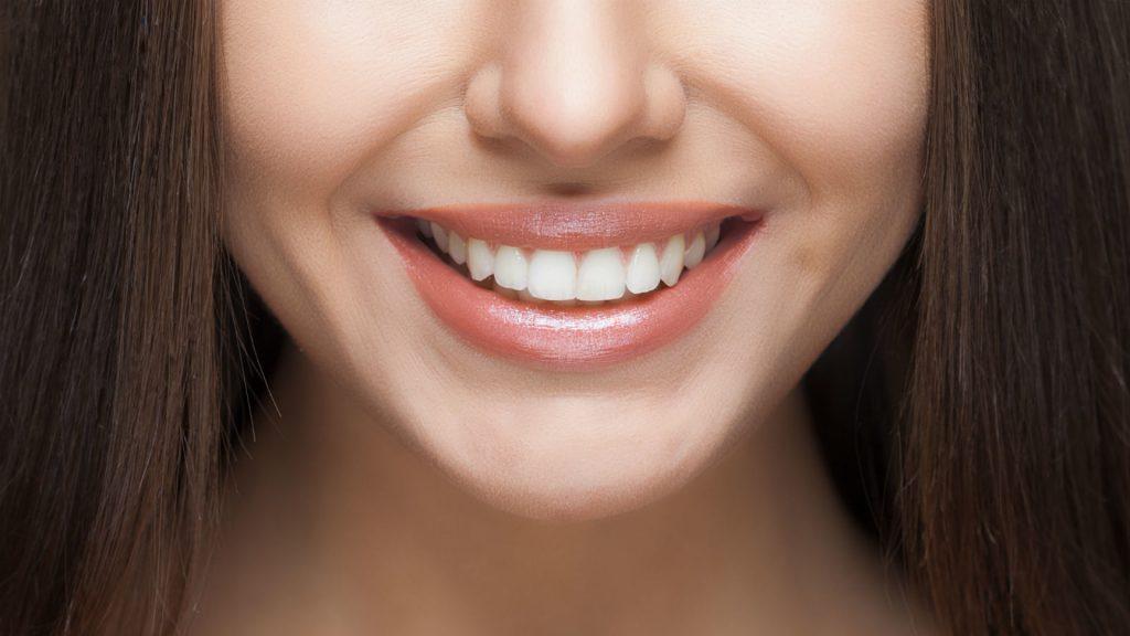 Stomatolozi upozoravaju: Najgore navike kojima narušavamo zdravlje zuba su…