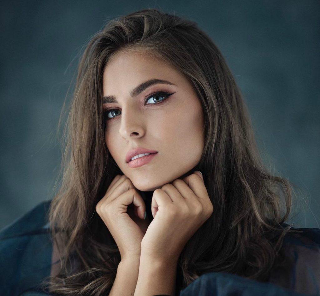 Zaručila se Džejla Ramović? Mlada pjevačica objavila sliku koja je mnoge ostavila u šoku…